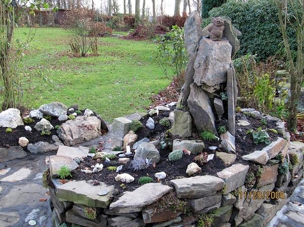 kleiner steingarten ramblerjosef vom. Black Bedroom Furniture Sets. Home Design Ideas