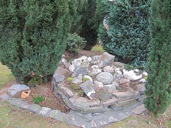 Noch ein kleiner steingarten auf der brunnenwiese - Kleiner steingarten ...